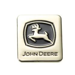 Logo na sworzniu John Deere