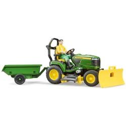 MCB009824000 Traktorek ogrodowy John Deere + ogrodnik